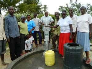 The Water Project : kenya4281-21-handing-over