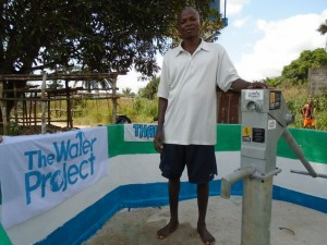 The Water Project : sierraleone5057-05-care-taker