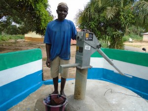 The Water Project : sierraleone5058-08-care-taker