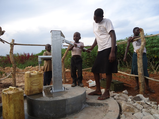 The Water Project : uganda675-21