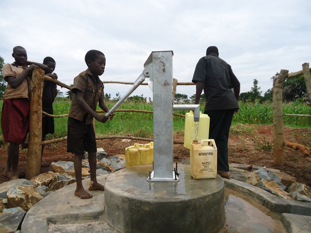 The Water Project : uganda671-26
