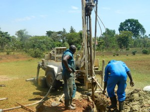 The Water Project : kenya4333-41-shisango-girls-drilling-process