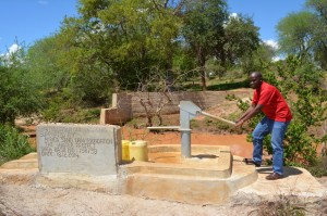 The Water Project : kenya4297-81-insunguluni-shallow-well