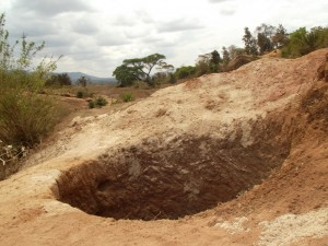 The Water Project : kenya4299-57-kee-3-shallow-well-construction