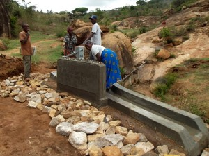 The Water Project : kenya4299-70-kee-3-shallow-well