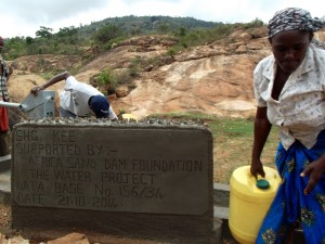 The Water Project : kenya4299-72-kee-3-shallow-well