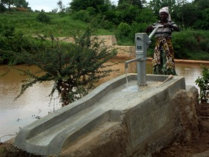 The Water Project : kenya4301-120-shallow-well