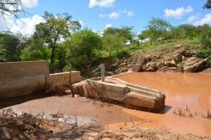 The Water Project : kenya4306-103-kakima-shallow-well