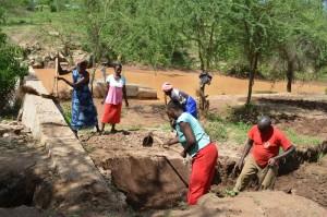 The Water Project : kenya4306-104-kakima-shallow-well