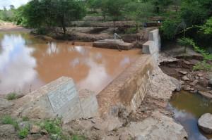 The Water Project : kenya4306-107-kakima-shallow-well