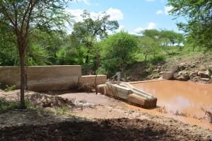 The Water Project : kenya4306-99-kakima-shallow-well