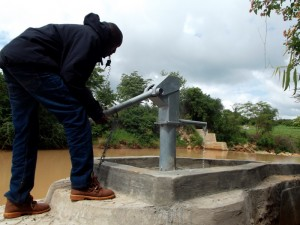 The Water Project : kenya4307-13-kee-2-shallow-well-complete