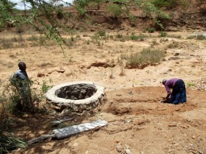 The Water Project : kenya4308-64-shallow-well-construction