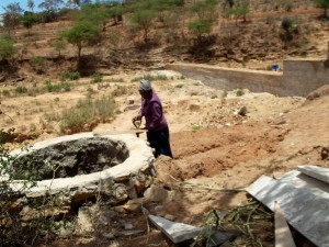 The Water Project : kenya4308-68-shallow-well-construction