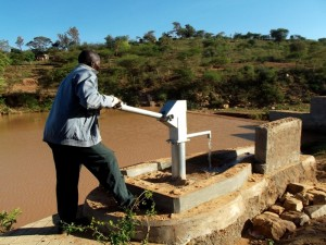 The Water Project : kenya4308-73-shallow-well-2