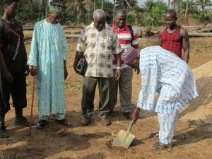 The Water Project : sierraleone5070-18-groundbreaking-ceremony-one-chief