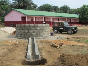 The Water Project : sierraleone5070-37-concrete-construction