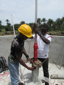 The Water Project : sierraleone5070-49-pump-installation