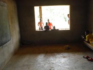The Water Project : sierra-leone5072-17-umc-school-class-1