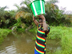 The Water Project : sierra-leone5074-04-fetching-water