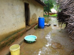 The Water Project : sierra-leone5074-07-collecting-water