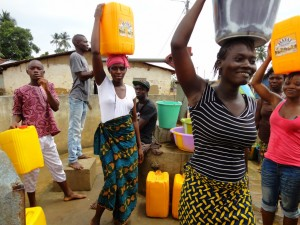 The Water Project : sierraleone5061-03-previous-water-source