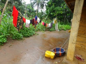 The Water Project : sierraleone5065-05-cloths-line