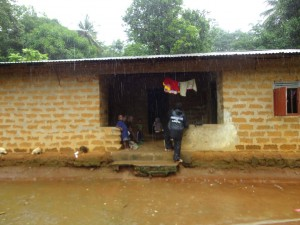 The Water Project : sierraleone5065-08-mud-house