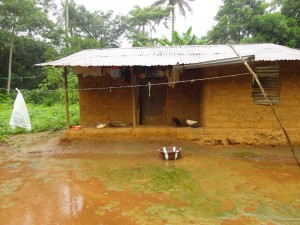 The Water Project : sierraleone5065-09-house