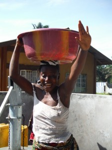 The Water Project : sierraleone5065-102-dedication-and-celebration