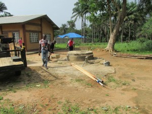 The Water Project : sierraleone5065-40-construction