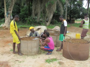 The Water Project : sierraleone5065-41-construction