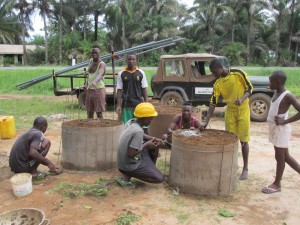 The Water Project : sierraleone5065-42-construction