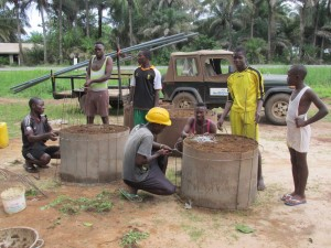 The Water Project : sierraleone5065-43-construction