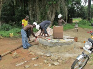 The Water Project : sierraleone5065-75-construction