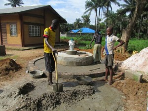 The Water Project : sierraleone5065-79-construction