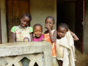 The Water Project : sierraleone5075-81-children