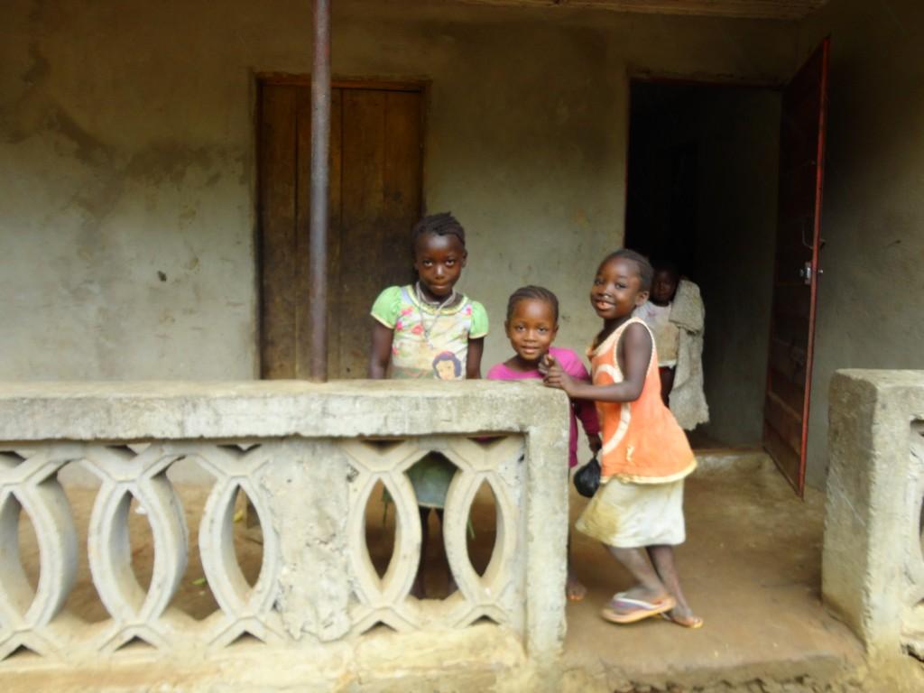 The Water Project : sierraleone5075-82-children