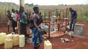 The Water Project : uganda685-14-opok-pump-installation