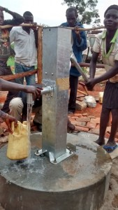 The Water Project : uganda685-19-opok-clean-water
