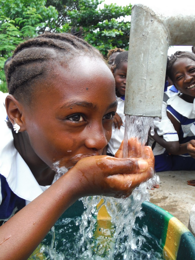 The Water Project : sierraleone5061-118-clean-water
