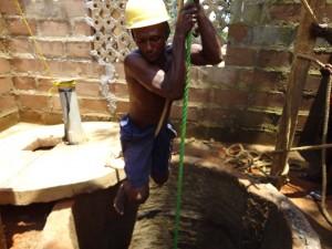 The Water Project : sierraleone5066-46-rehabilitation-work