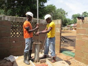 The Water Project : sierraleone5066-48-rehabilitation-work