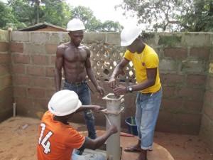 The Water Project : sierraleone5066-49-rehabilitation-work