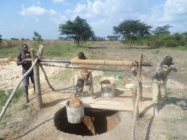 The Water Project : uganda683-04-jeeja-excavation