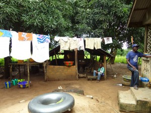 The Water Project : sierraleone5067-03-clothesline