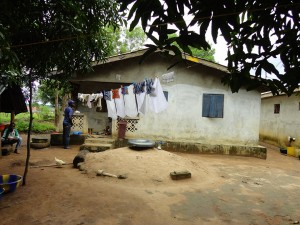 The Water Project : sierraleone5067-04-clothesline