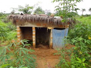 The Water Project : sierraleone5067-14-latrine