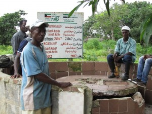 The Water Project : sierraleone5067-15-pre-rehab