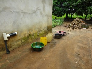 The Water Project : sierraleone5067-19-rain-water-collection